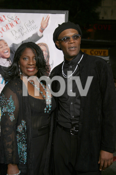 """The Fighting Temptations"" Premiere9-17-2003Samuel L. Jackson and wife LaTonya RichardsonPhoto by Sam Kweskin - Image 21512_0102"