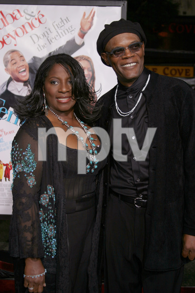 """The Fighting Temptations"" Premiere9-17-2003Samuel L. Jackson and wife LaTonya RichardsonPhoto by Sam Kweskin - Image 21512_0105"