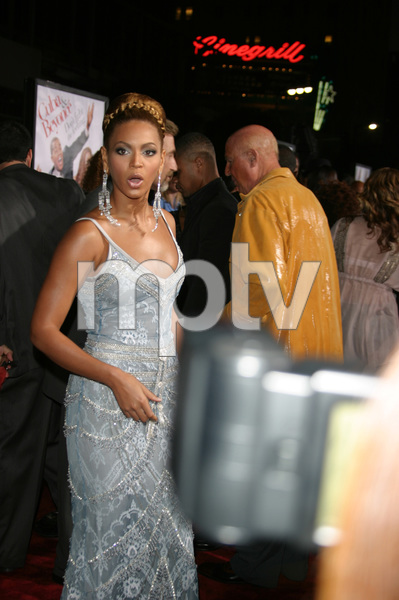 """""""The Fighting Temptations"""" Premiere9-17-2003Beyonce KnowlesPhoto by Sam Kweskin - Image 21512_0129"""