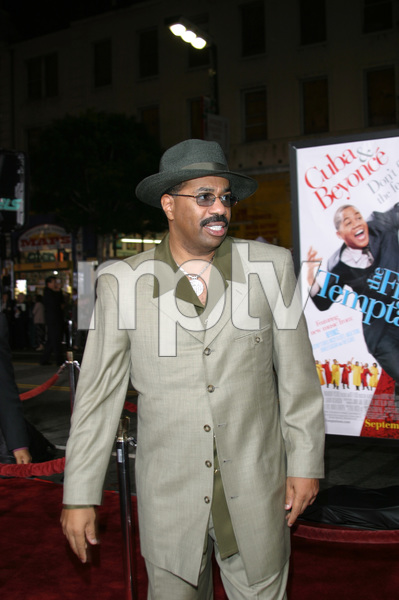 """The Fighting Temptations"" Premiere9-17-2003Steve HarveyPhoto by Sam Kweskin - Image 21512_0147"