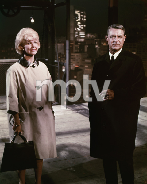 """That Touch of Mink""Cary Grant, Doris Day1962 Universal PicturesPhoto by Coburn ** I.V. - Image 21587_0005"