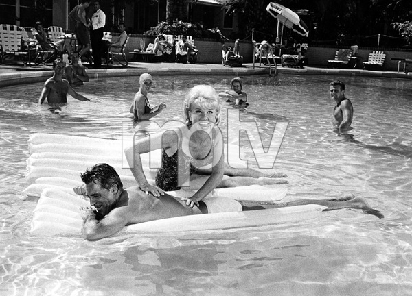 """That Touch of Mink""Cary Grant, Doris Day1962 Universal Pictures © 1978 Leo Fuchs - Image 21587_0016"