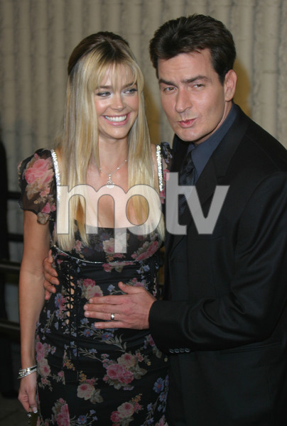 """Scary Movie 3"" Premiere  10/20/03Charlie Sheen & Denise RichardsMPTV - Image 21590_0121"