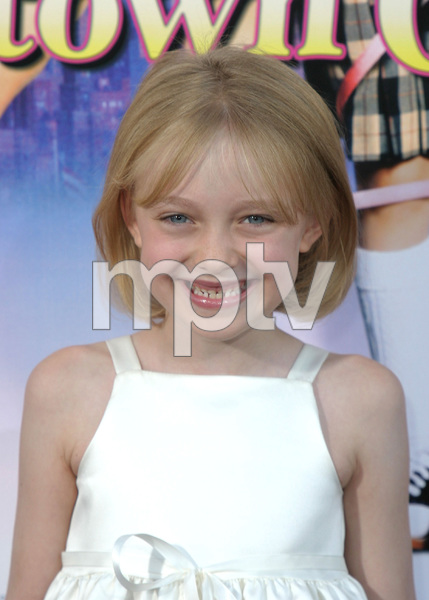 """Uptown Girls"" Premiere 08/04/03Dakota FanningMPTV - Image 21590_0128"