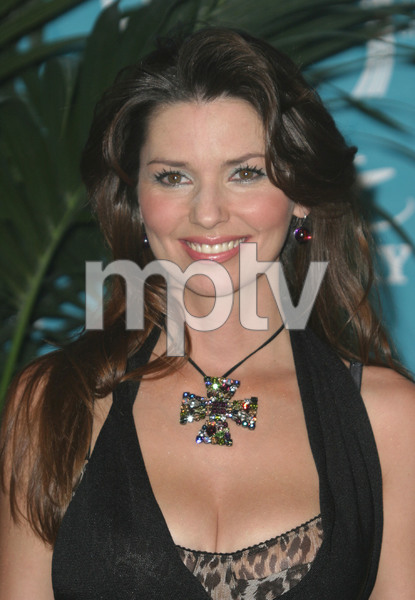 """""""38th Annual Academy of Country Music Awards""""5-21-03Shania TwainMPTV - Image 21590_0155"""