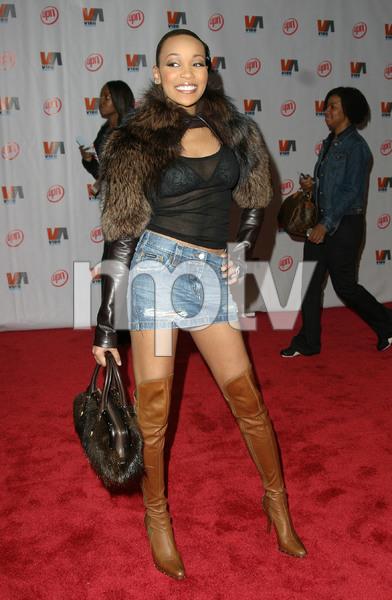 """1st Annual Vibe Awards"" 11/20/03MonicaMPTV - Image 21590_0368"