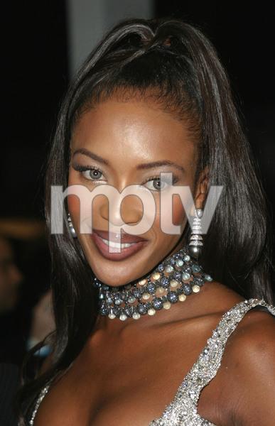"""1st Annual Vibe Awards"" 11/20/03Noami CampbellMPTV - Image 21590_0374"