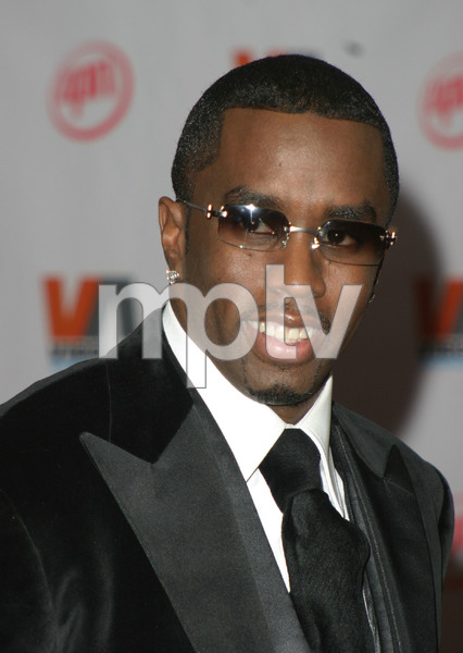 """1st Annual Vibe Awards"" 11/20/03Sean ""P. Diddy"" CombsMPTV - Image 21590_0375"