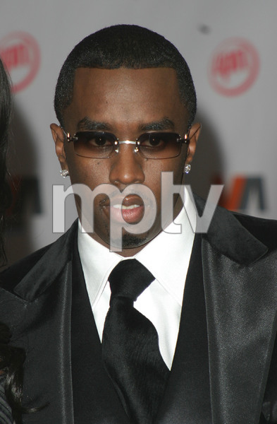 """""""1st Annual Vibe Awards"""" 11/20/03Sean """"P. Diddy"""" CombsMPTV - Image 21590_0376"""