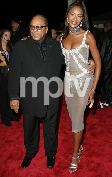 """1st Annual Vibe Awards"" 11/20/03Quincy Jones & Noami CampbellMPTV - Image 21590_0390"