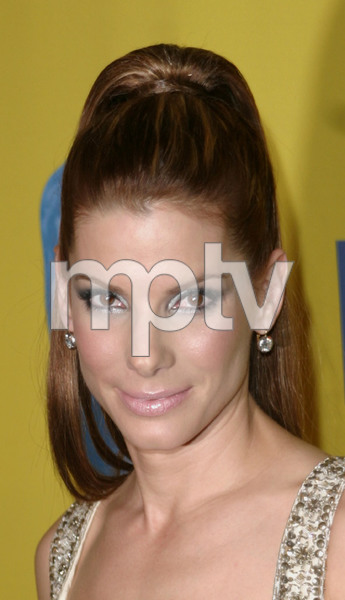 """12th Annual BAFTA/LA Brittania Awards"" 11/8/03Sandra BullockMPTV - Image 21590_0401"
