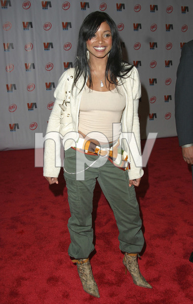 """1st Annual Vibe Awards"" 11/20/03Tamala Jones MPTV - Image 21590_0406"