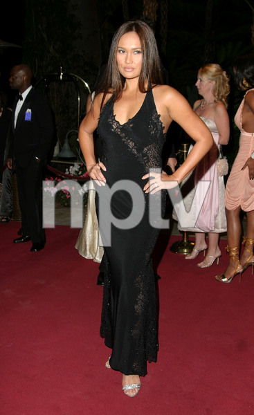 """11th Annual Diversity Awards"" 11/23/02Tia CarrereMPTV - Image 21590_0409"