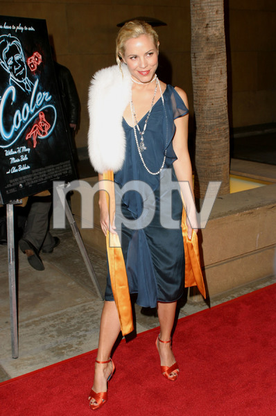"""""""The Cooler"""" Premiere 11/24/03Maria BelloMPTV - Image 21590_0619"""