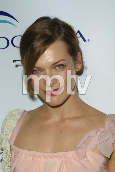 """""""1st Annual Oceana Dinner"""" 12/3/03Mila JovovichMPTV - Image 21590_0631"""