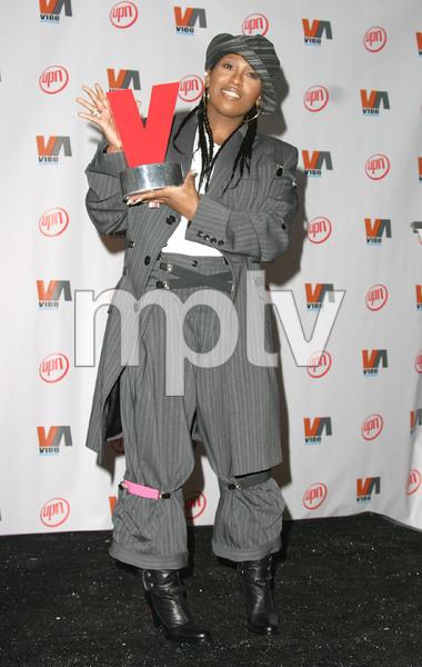 """""""1st Annual Vibe Awards"""" 11/20/03Missy ElliottMPTV - Image 21590_0717"""
