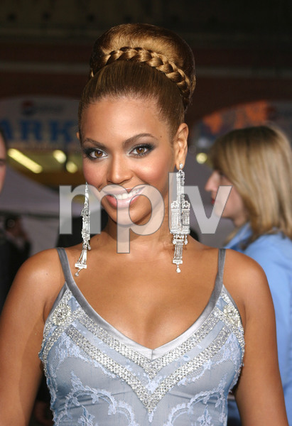 """The Fighting Temptations"" Premiere 09/17/03Beyonce KnowlesMPTV - Image 21590_0736"
