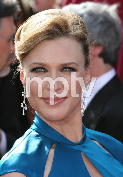"""The 57th Annual Primetime Emmy Awards""Brenda Strong09-18-2005 / Shrine Auditorium / Los Angeles, CA - Image 21590_1086"