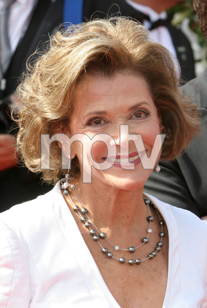"""The 57th Annual Primetime Emmy Awards""Jessica Walter09-18-2005 / Shrine Auditorium / Los Angeles, CA - Image 21590_1160"