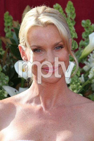 """The 57th Annual Primetime Emmy Awards""Nicollette Sheridan09-18-2005 / Shrine Auditorium / Los Angeles, CA - Image 21590_1178"