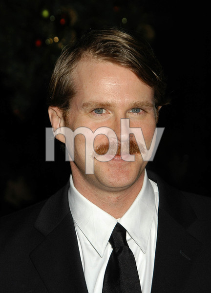"""""""UNICEF Goodwill Gala: 50 Years of Celebrity Advocacy"""" 12-03-03Cary ElwesMPTV  - Image 21709_0038"""