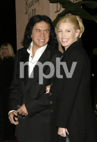 """Musicians Assistance Program (MAP): 4th Annual Fundraiser and Benefit Performance""11-05-03Gene Simmons and Shannon TweedMPTV - Image 21709_0081"