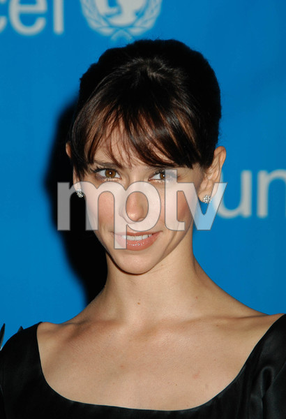 """UNICEF Goodwill Gala: 50 Years of Celebrity Advocacy"" 12-03-03Jennifer Love HewittMPTV - Image 21709_0095"