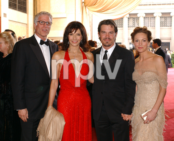 """75th Annual Academy Awards"" 03/25/03Ted Danson, Mary Steenburgen, Josh Brolin, and Diane Lane © 2003 AMPAS/MPTV - Image 21711_0006"