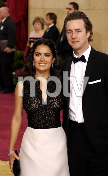 """75th Annual Academy Awards"" 03/25/03Salma Hayek & Edward Norton © 2003 AMPAS/MPTV - Image 21711_0014"