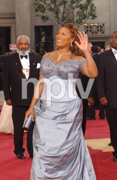 """""""75th Annual Academy Awards"""" 03/25/03Queen Latifah © 2003 AMPAS/MPTV - Image 21711_0019"""