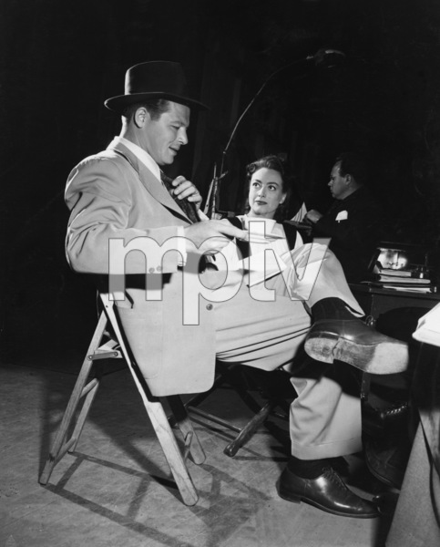 """Jack Carson and Joan Crawford during the making of """"Mildred Pierce""""1945 - Image 2172_0021"""