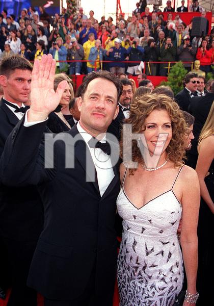 """73rd Annual Academy Awards"" 03/25/01Tom Hanks & Rita Wilson © 2001 AMPAS/MPTV - Image 21724_0003"