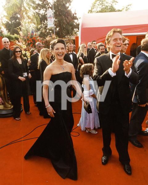 """73rd Annual Academy Awards"" 03/25/01Catherine Zeta-Jones with Michael Douglas © 2001 AMPAS - Image 21724_0004"