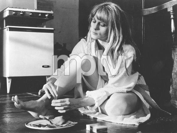 Francoise Dorelac paints her toenails on the set of CUL-DE-SAC, Filmways, 1967, I.V. - Image 21731_0002