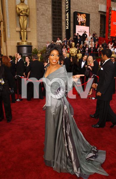 """76th Annual Academy Awards"" February 29, 2004Oprah Winfrey © 2004 AMPAS - Image 21781_0033"