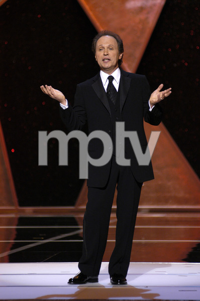 """76th Annual Academy Awards"" February 29, 2004Billy Crystal © 2004 AMPAS - Image 21781_0044"