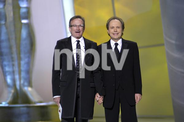 """76th Annual Academy Awards"" February 29, 2004Robin Williams & Billy Crystal © 2004 AMPAS - Image 21781_0045"