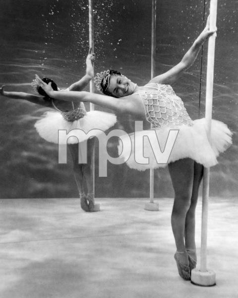"""Million Dollar Mermaid""Esther Williams1952 MGM**I.V. - Image 21795_0012"