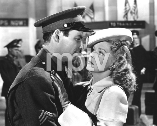 """Gangs All Here""Alice Faye & Dave Willock1943 20th Cent.**I.V. - Image 21798_0007"
