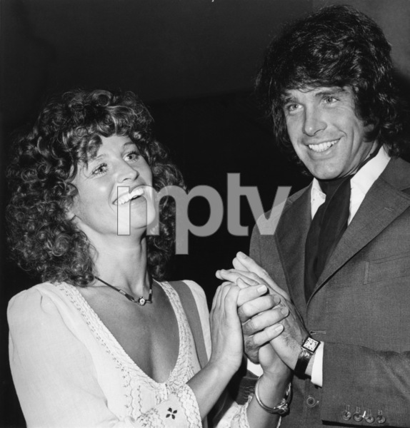 """Julie Christie with Warren Beatty at the New York premiere of """"The Go-Between""""1971 - Image 2191_0106"""