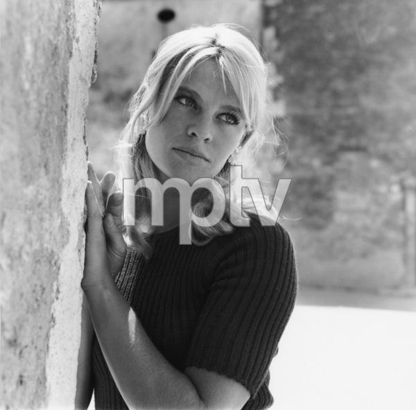 Julie Christie1965** I.V. - Image 2191_0107