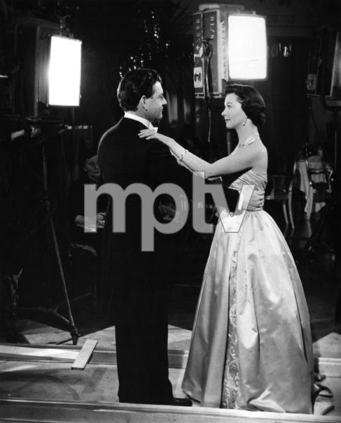 """The Deep Blue Sea""Vivien Leigh, Kenneth More1955 20th Century Fox** I.V. - Image 22073_0002"