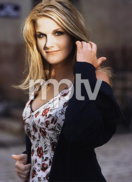 Trisha Yearwood, Country Music Singer,  1990, I.V. - Image 22183_0100