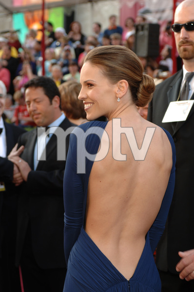 Best Actress Academy Award nominee Hilary Swank arrives at the 77th Annual Academy Awards at the Kodak Theatre in Hollywood, CA on Sunday, February 27, 2005.  HO/AMPAS - Image 22270_0068