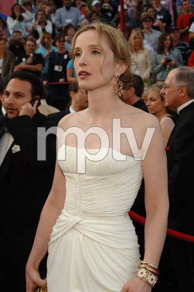 Best Adapted Screenplay Academy Award nominee Julie Delpy arrives at the 77th Annual Academy Awards at the Kodak Theatre in Hollywood, CA on Sunday, February 27, 2005.  HO/AMPAS - Image 22270_0069