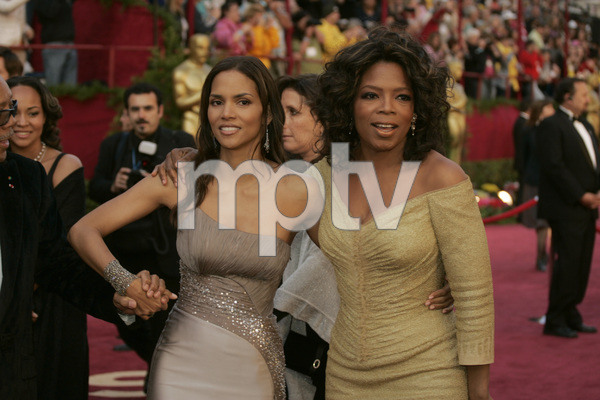 Oscar winner and Academy Award presenter Halle Berry and Oprah Winfrey arrive at the 77th Annual Academy Awards at the Kodak Theatre in Hollywood, CA on Sunday, February 27, 2005.  HO/AMPAS - Image 22270_0103