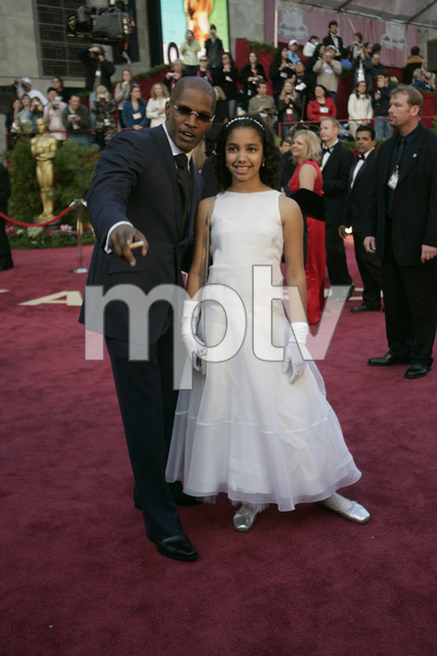 Best Actor Academy Award nominee Jamie Foxx poses with his daughter Corrine before the 77th Annual Academy Awards at the Kodak Theatre in Hollywood, CA on Sunday, February 27, 2005.  HO/AMPAS - Image 22270_0113