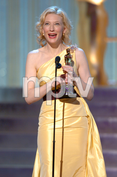 Cate Blanchett accepts the Academy Award for Best Actress during the 77th Annual Academy Awards at the Kodak Theatre in Hollywood, CA on Sunday, February 27, 2005.  HO/AMPAS - Image 22270_0141