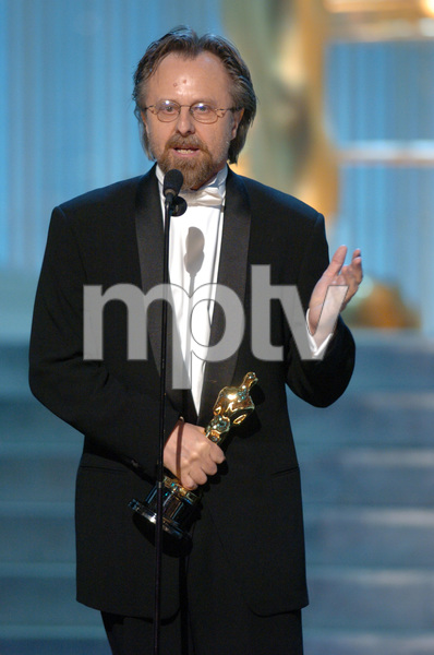 Jan A.P. Kaczmarek accepts the Academy Award for Best Original Score during the 77th Annual Academy Awards at the Kodak Theatre in Hollywood, CA on Sunday, February 27, 2005.  HO/AMPAS - Image 22270_0209