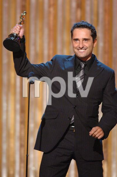 Jorge Drexler accepts the Academy Award for Best Original Song during the 77th Annual Academy Awards at the Kodak Theatre in Hollywood, CA on Sunday, February 27, 2005.  HO/AMPAS - Image 22270_0215